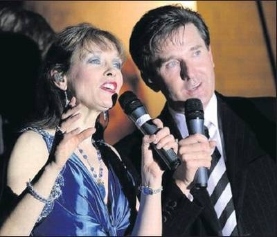 Daniel O Donnell With Mary Duff Maxima Tours
